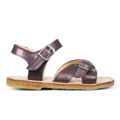Sandal with adjustable buckles