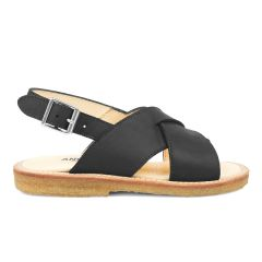 Sandal with buckle closure