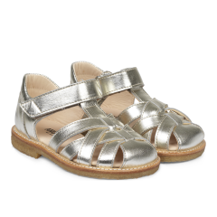 Braid sandal with adjustable velcro closure