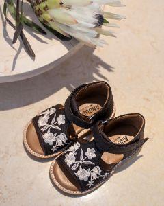 VEGAN starter sandal with velcro
