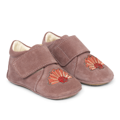 Starter indoor shoe with velcro closure