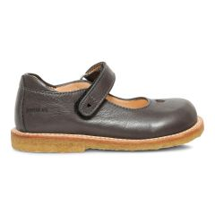 Mary Janes with heart and velcro closure