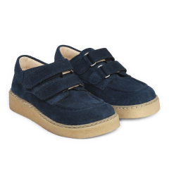 Shoe with adjustable velcro closure