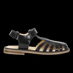 Sandal with adjustable velcro