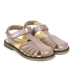 Sandal with adjustable velcro