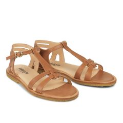 Feminine sandal with strap design.