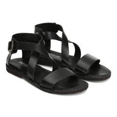 Sandal w. adjustable cross over buckle strap.