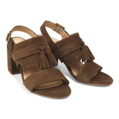 Block heel sandal w. buckle, fringes and tassels