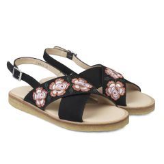 Sandal with embroidery and buckle