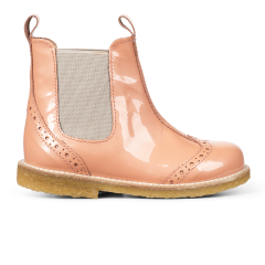 Classic Chelsea boot with elastic