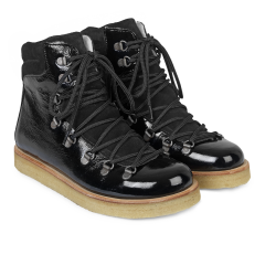 Boot with laces and D-rings