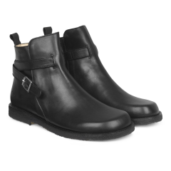 Boot with wide fit