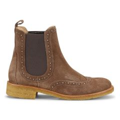 Chelsea boot with elastic and rivets