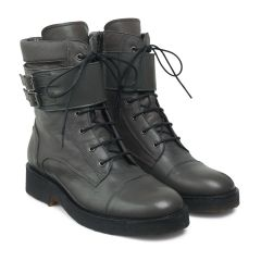 Lace-up boot w buckles