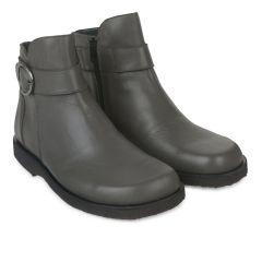 Boot w buckle & zip