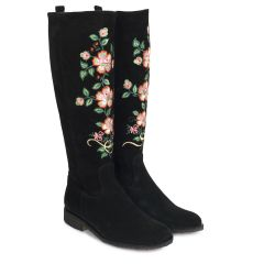 Boot with embroidery and zipper