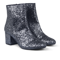 Block heel boot in glitter.