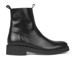 Boot with zipper