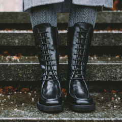 High-leg lace up boot