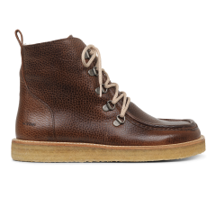 Boot with wool lining and wide fit