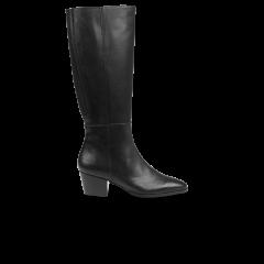 High-leg boot with heel