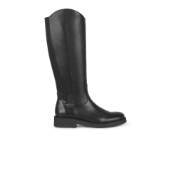 High-leg boot w. spacious shaft.