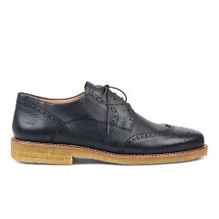 Lace-up shoe with hole pattern