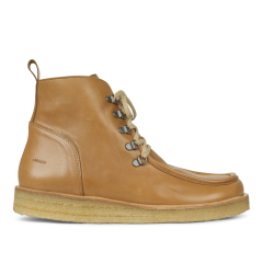 Lace-up boot with piping detail